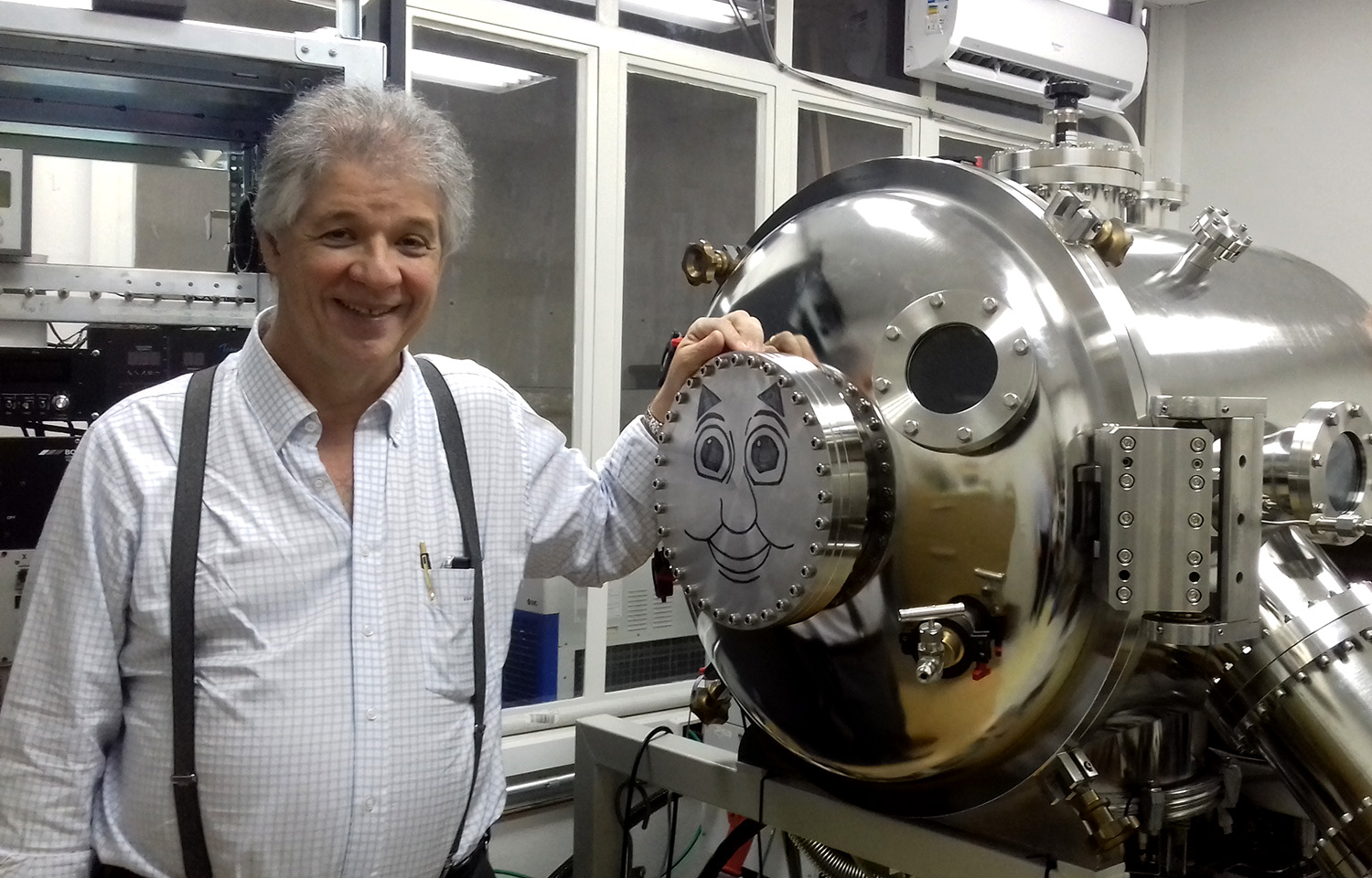Prof. José Diniz Chubaci - IBAD – Ion Beam Assisted Deposition (Deposição por Feixes Iônicos Assistida) - Instituto de Física da USP